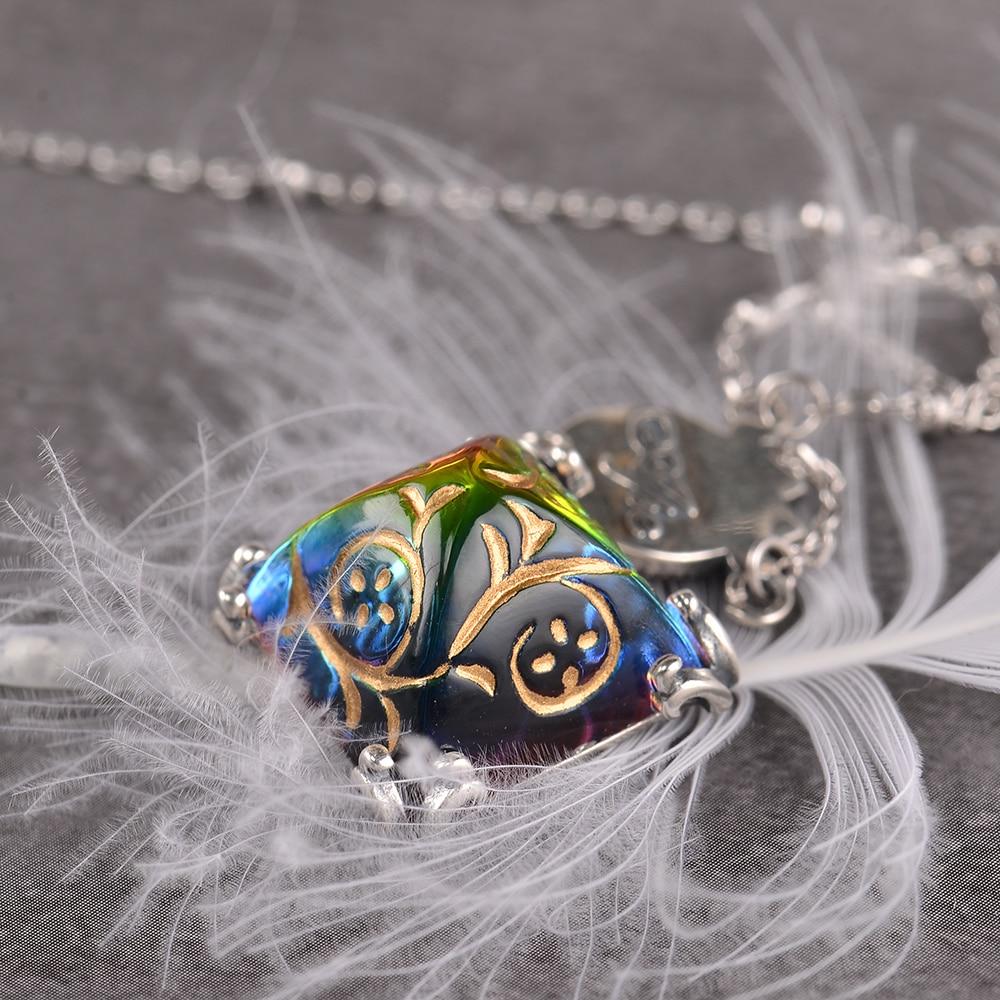 Vitrail Engraved Pendant Necklace