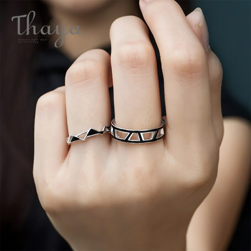 Edges and Corners Design Couple Rings